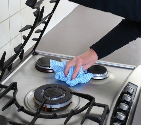 how to clean stove tops